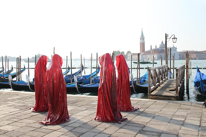 contemporary-art-la-biennale-arts arte show-project-venice-public-art-illuminations-manfred-kielnhofer sculpture-statue-