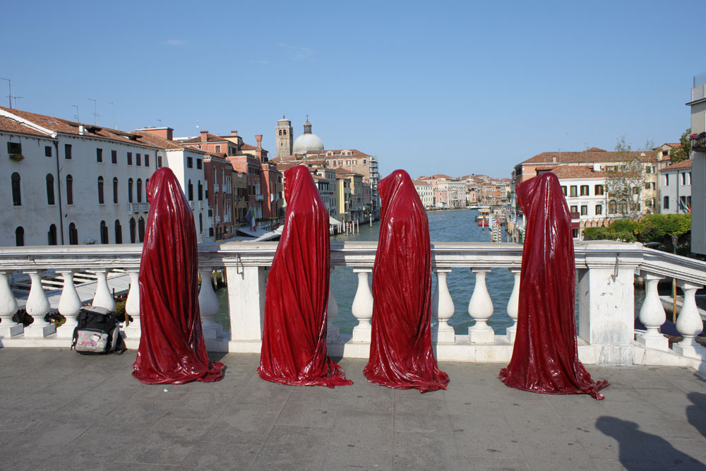 public art biennial festival show exhibition in Venice by Manfred Kielnhofer guardians of time contemporary art design architecture sculpture theatre 3789