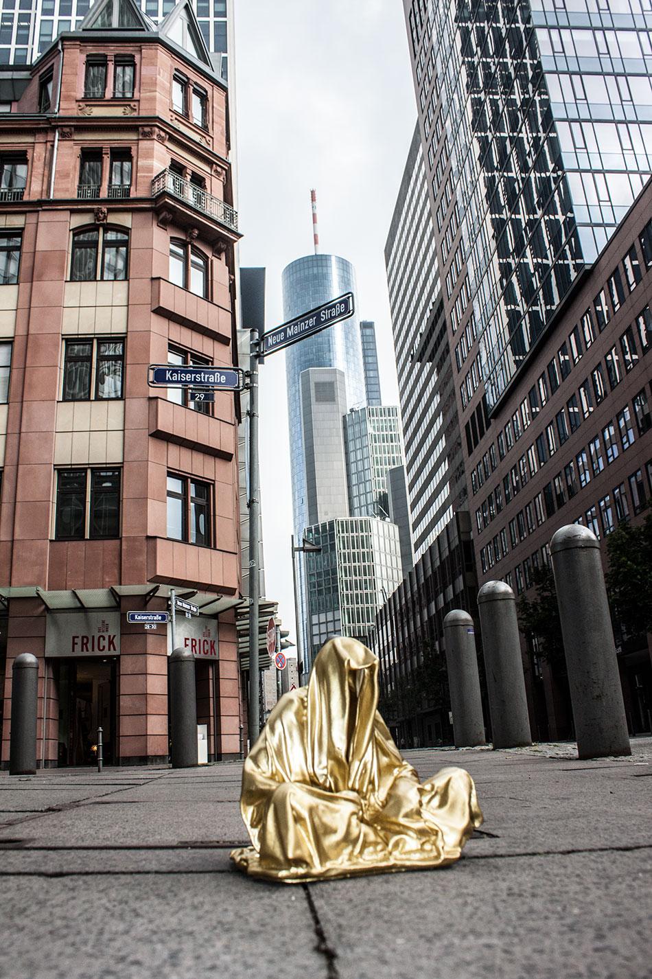 art-germany-frankfurt-guardians-of-time-manfred-kielnhofer-public-modern-contemporary-art-fine-arts-sculpture-design-streat-art-2238