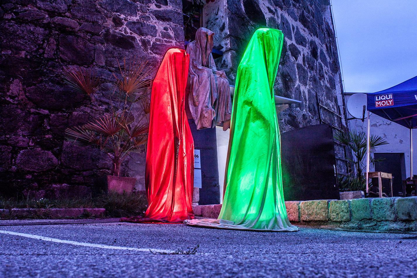 mobile-galerie-gall-toko06-linz-25er-turm-guardians-of-time-manfred-kielnhofer-contemporary-fine-art-design-sculpture-2644