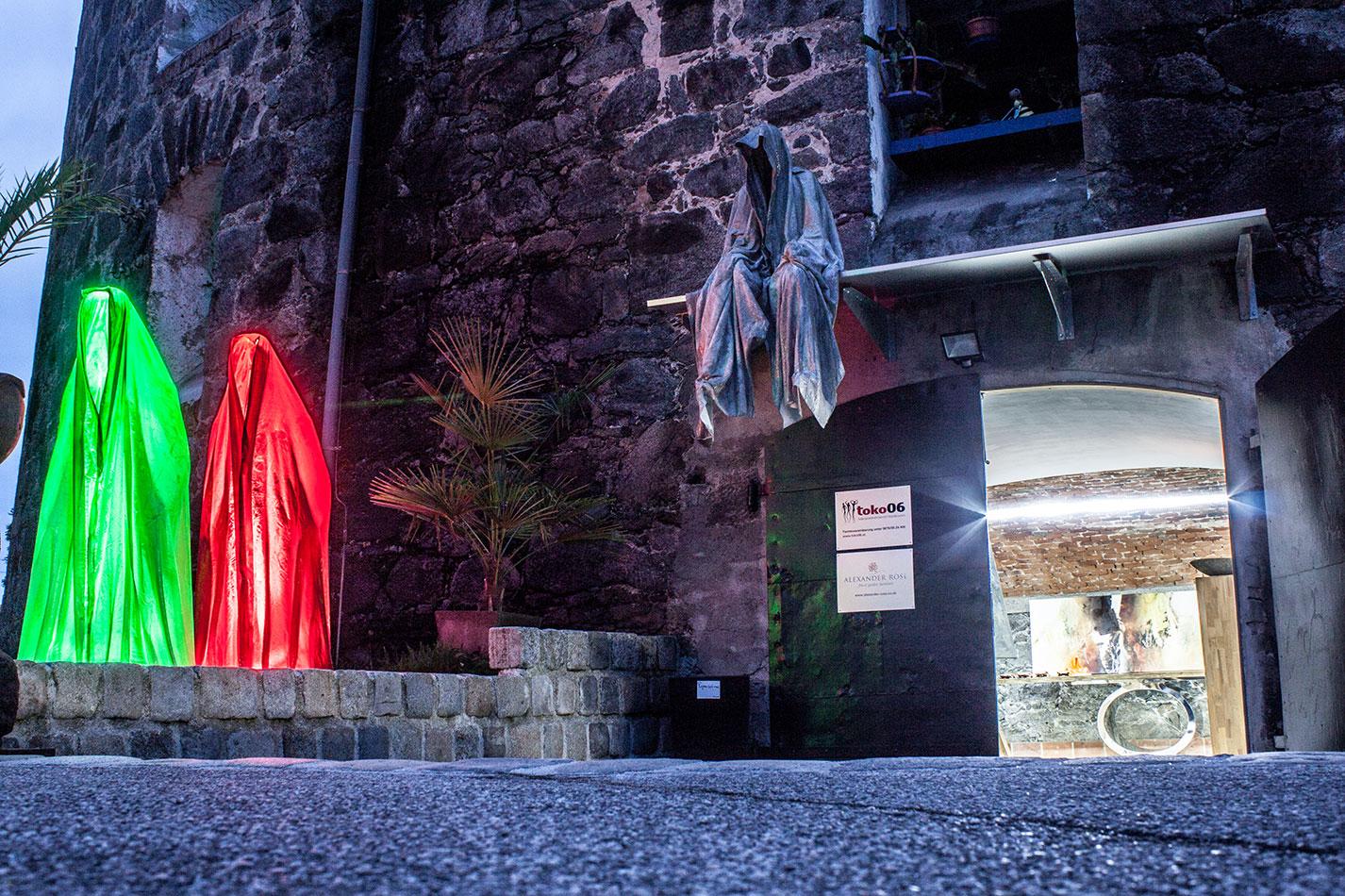 mobile-galerie-gall-toko06-linz-25er-turm-guardians-of-time-manfred-kielnhofer-contemporary-fine-art-design-sculpture-2645