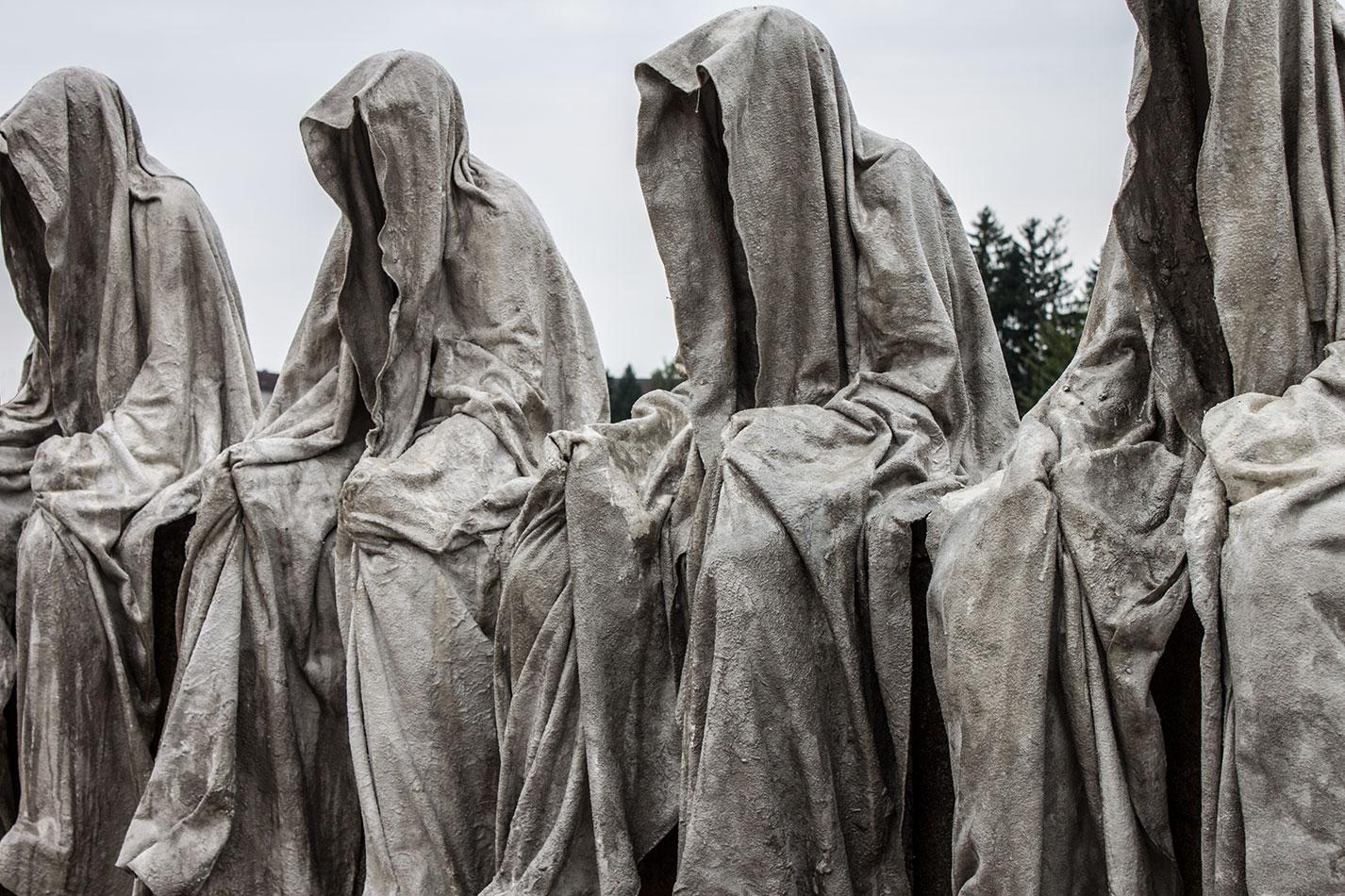 mobile-gallery-guardians-of-time-sculptor-manfred-kili-kielnhofer-contemporary-fine-art-design-sculpture-modern-famous-3d-statue-public-arts-2586