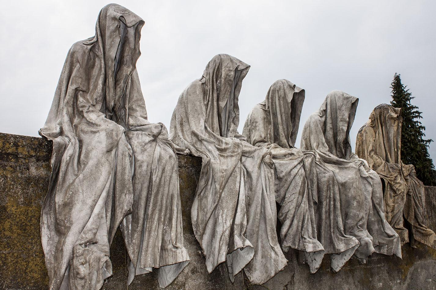mobile-gallery-guardians-of-time-sculptor-manfred-kili-kielnhofer-contemporary-fine-art-design-sculpture-modern-famous-3d-statue-public-arts-2600