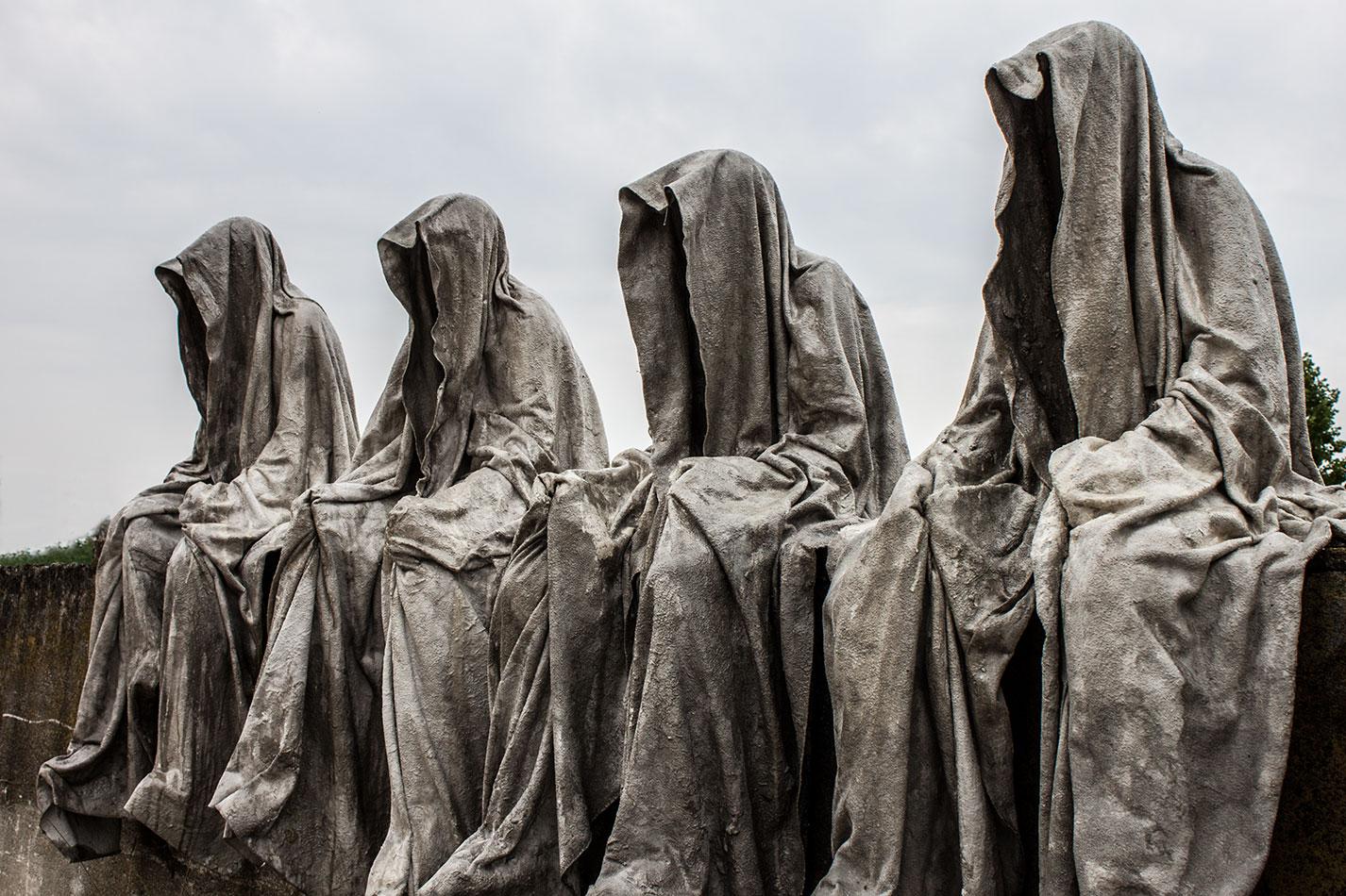 mobile-gallery-guardians-of-time-sculptor-manfred-kili-kielnhofer-contemporary-fine-art-design-sculpture-modern-famous-3d-statue-public-arts-2615