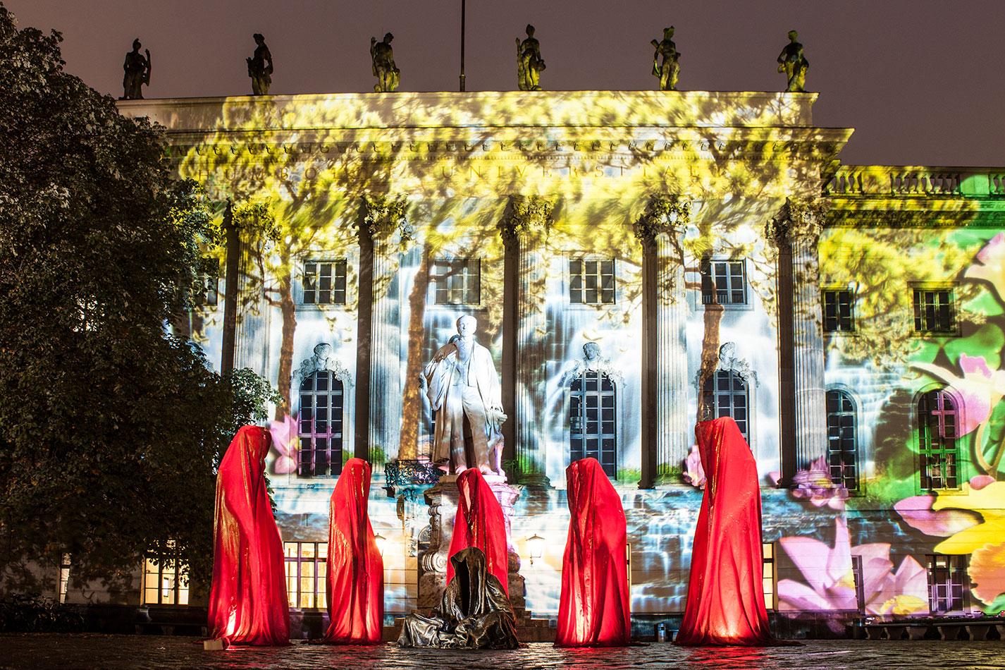 festival-of-lights-berlin-humbold-university-light-art-festival-contemporary-fine-art-design-show-guardiansof-time-manfred-kili-kielnhofer-sculpture-3569