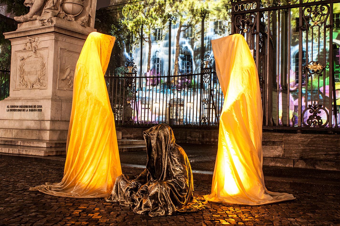 festival-of-lights-berlin-humbold-university-light-art-festival-contemporary-fine-art-design-show-guardiansof-time-manfred-kili-kielnhofer-sculpture-3580