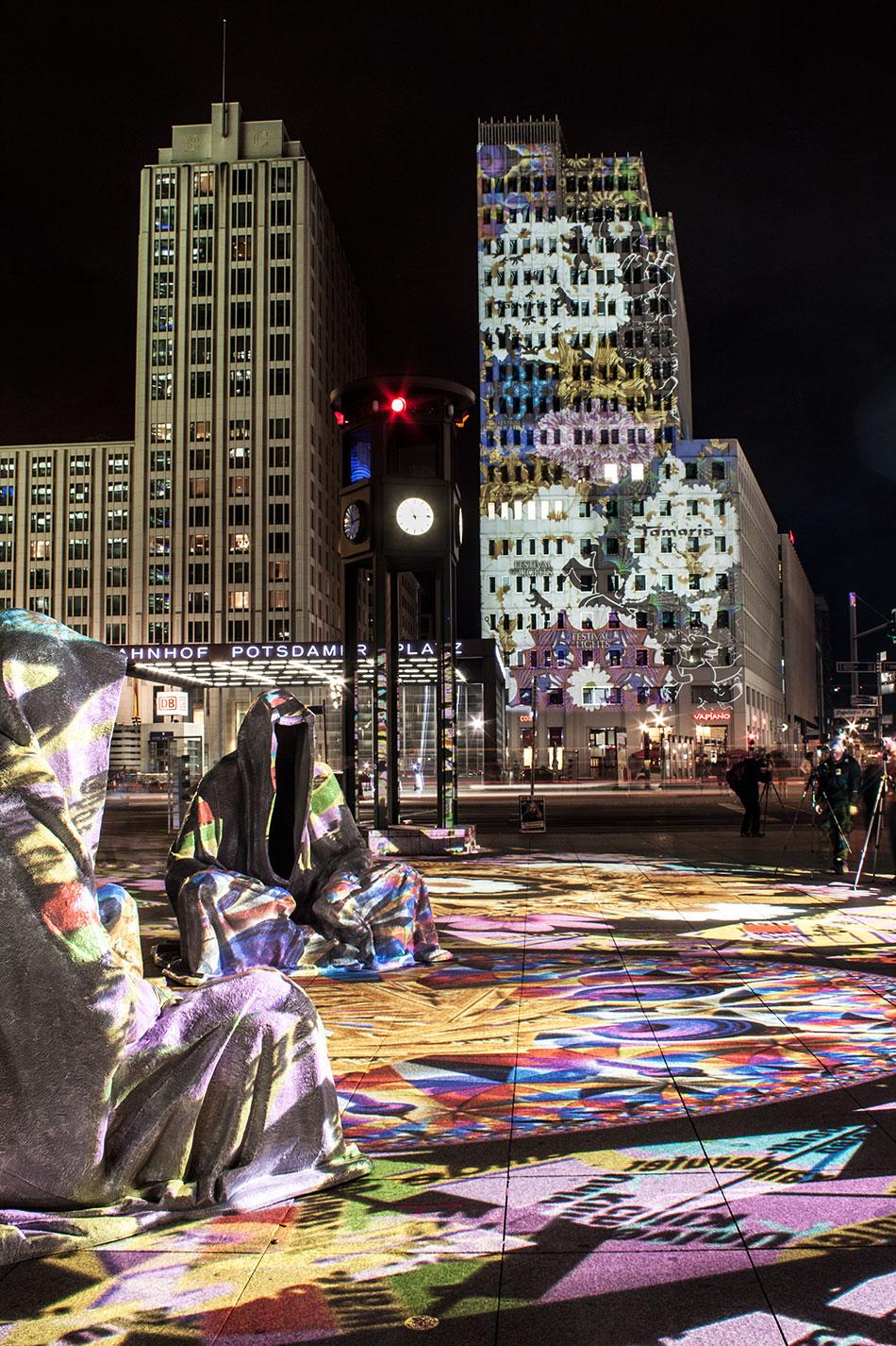 festival-of-lights-berlin-potzdamer-platz-light-art-show-exhibition-lumina-guardians-of-time-manfred-kili-kielnhofer-contemporary-arts-design-large-scale-monumental-public-sculpture-3516