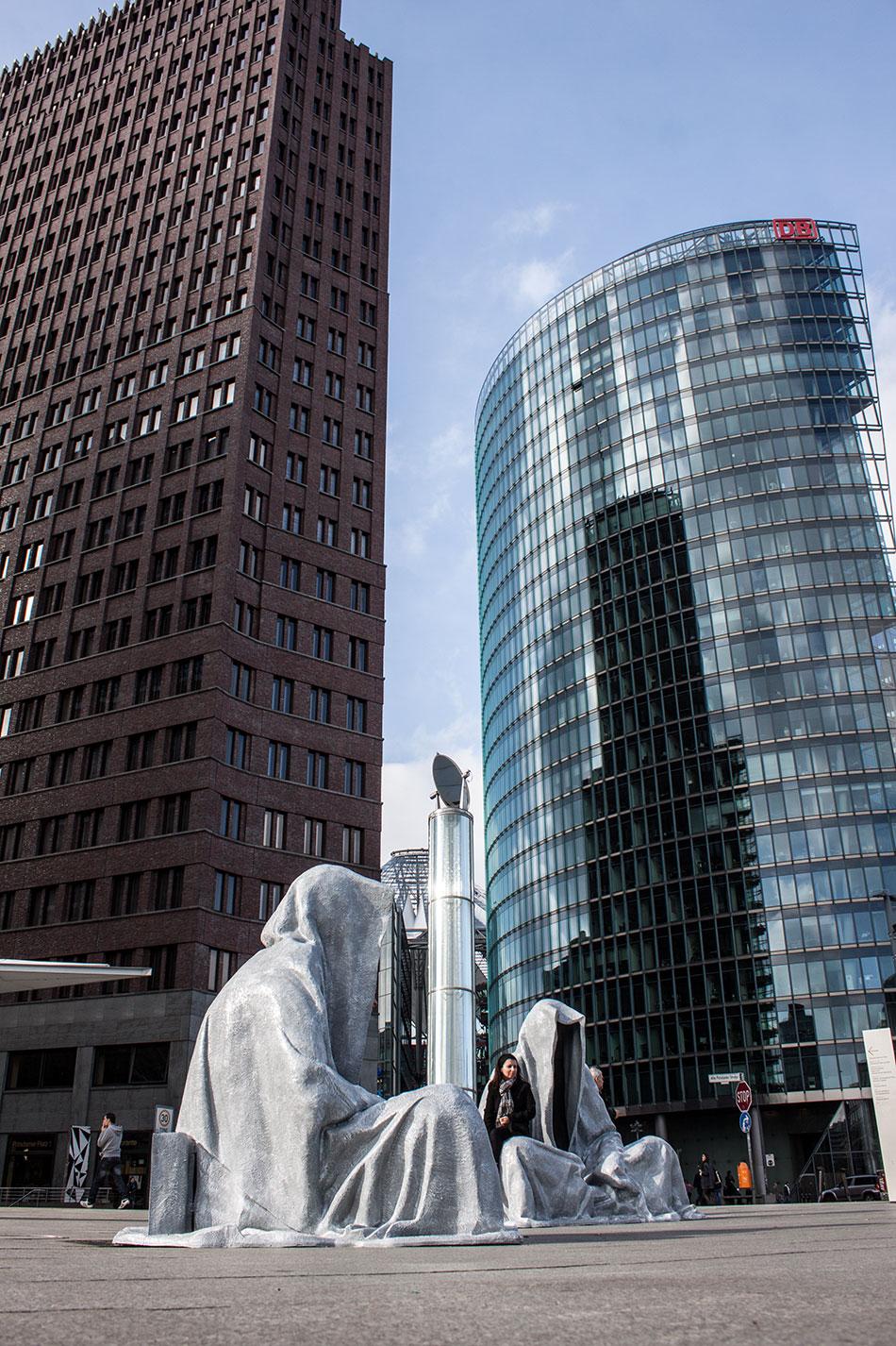 festival-of-lights-berlin-potzdamer-platz-light-art-show-exhibition-lumina-guardians-of-time-manfred-kili-kielnhofer-contemporary-arts-design-sculpture-3067 - Kopie
