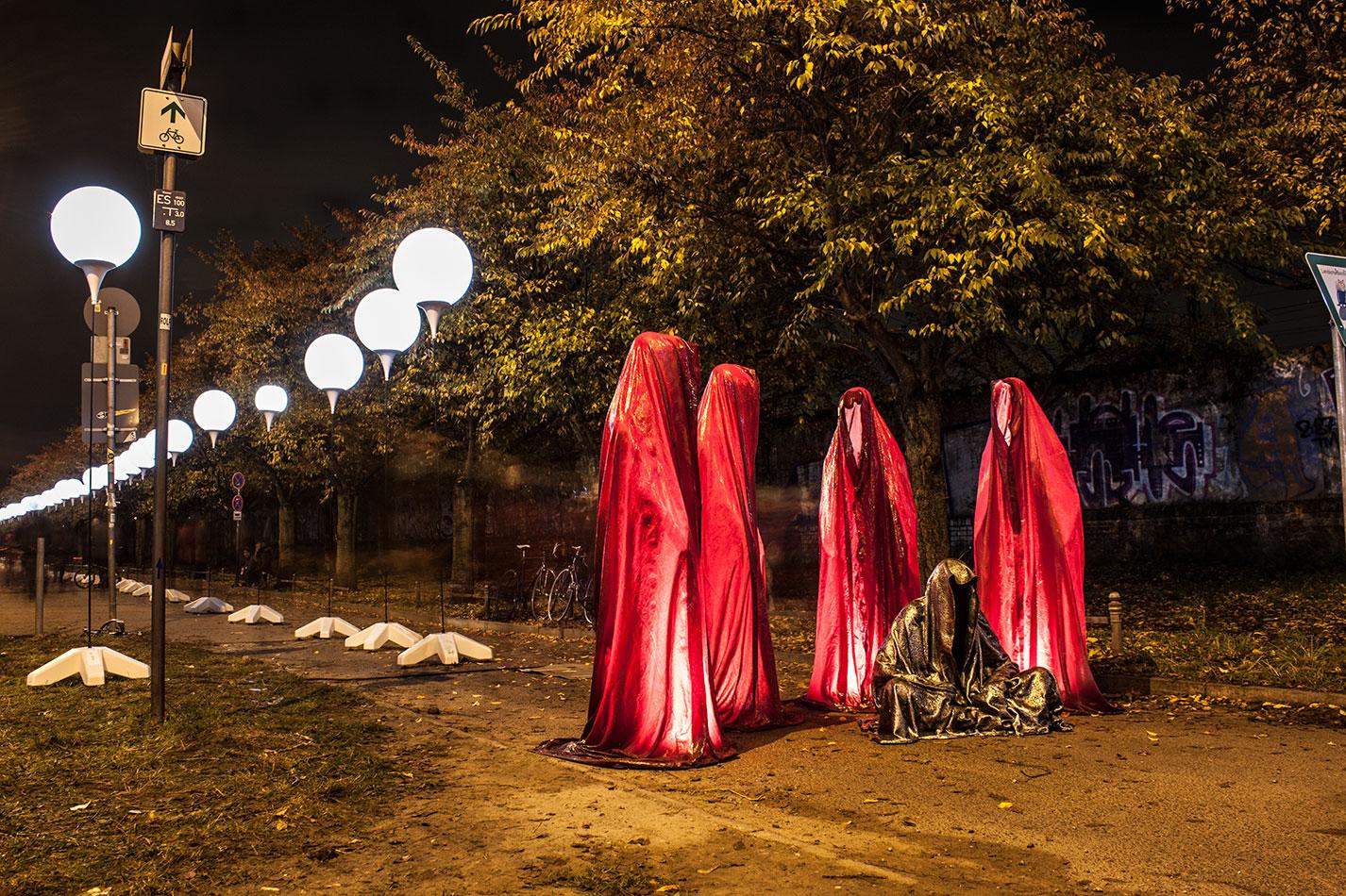 25-jears-wallfall-berlin-germany-contemporary-fine-art-show-arts-design-guardians-of-time-manfred-kili-kielnhofer-4330 - Kopie