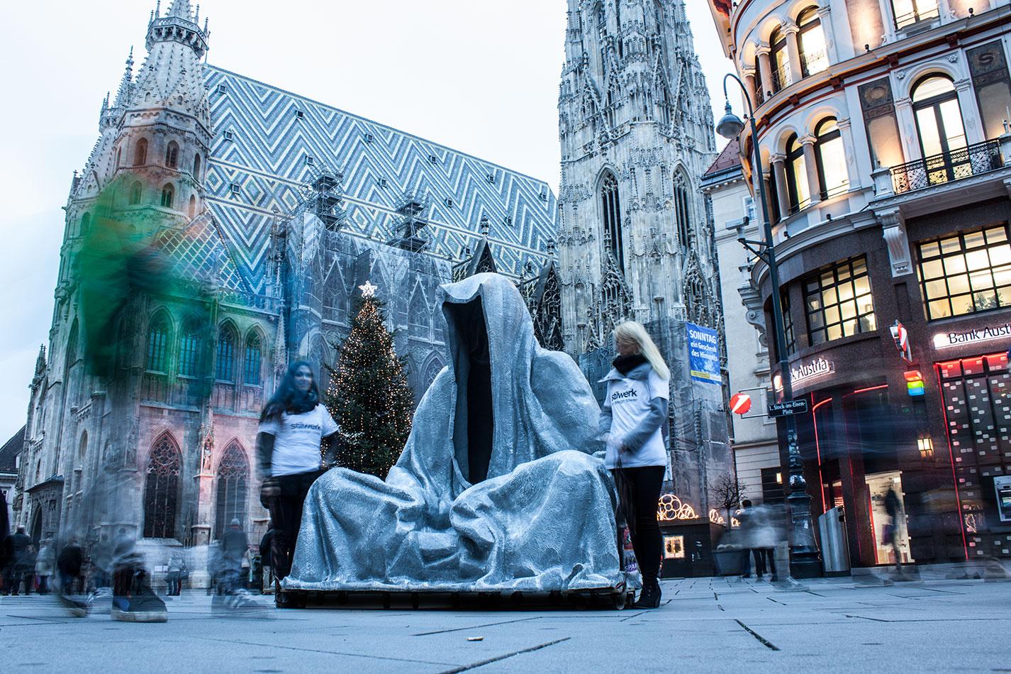 stilwerk-wien-design-tower-art-antique-fair-vienna-wikam-guardians-of-time-manfred-kielnhofer-duekouba-designkooperative-public-art-sculpture-transport-design-tour-vienna-4991
