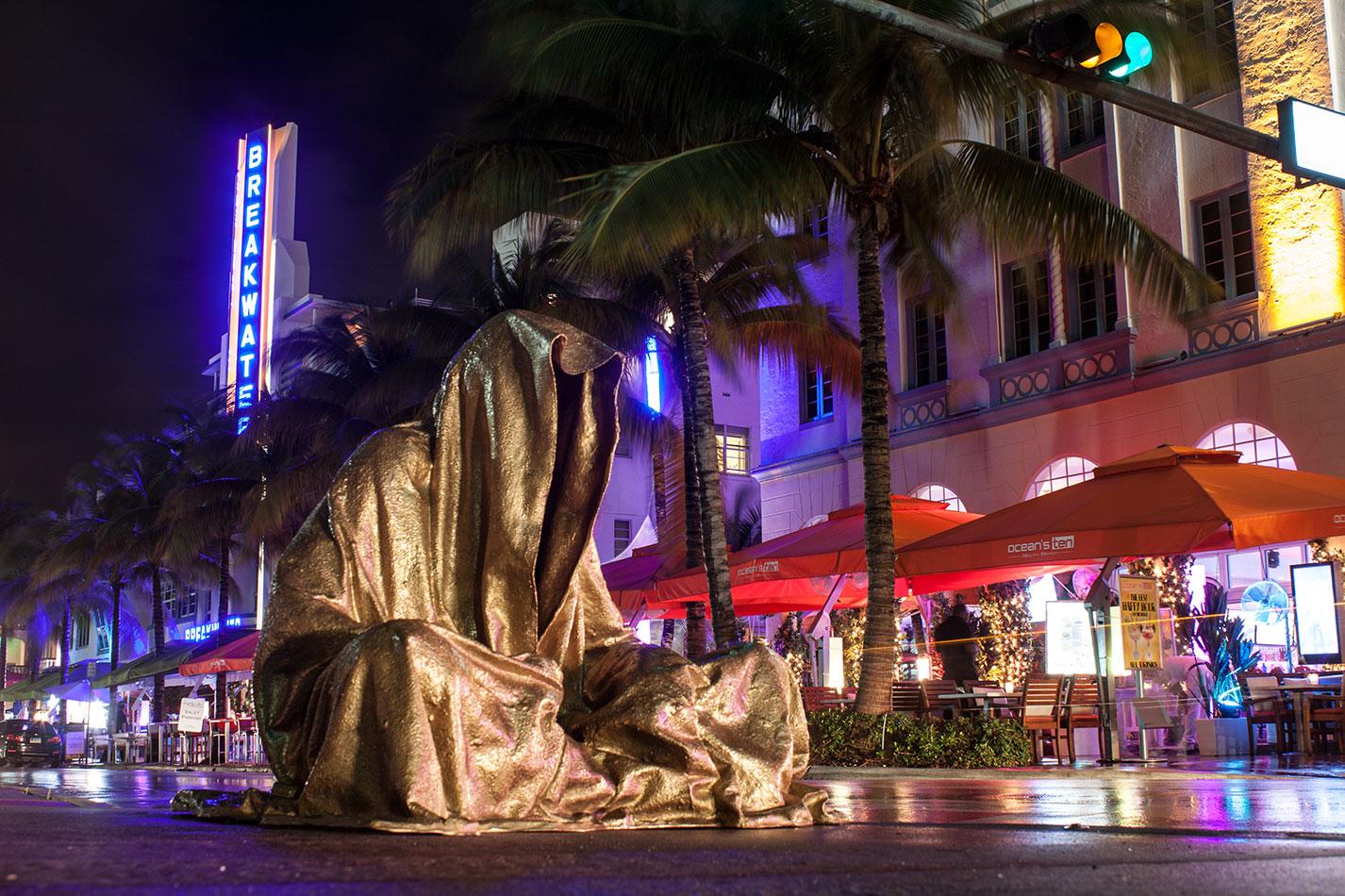 public-art-basel-miami-beach-fair-usa-florida-bass-museum-guardians-of-time-manfred-kili-kielnhofer-contemporary-fine-art-modern-arts-design-antiques-sculpture-6623
