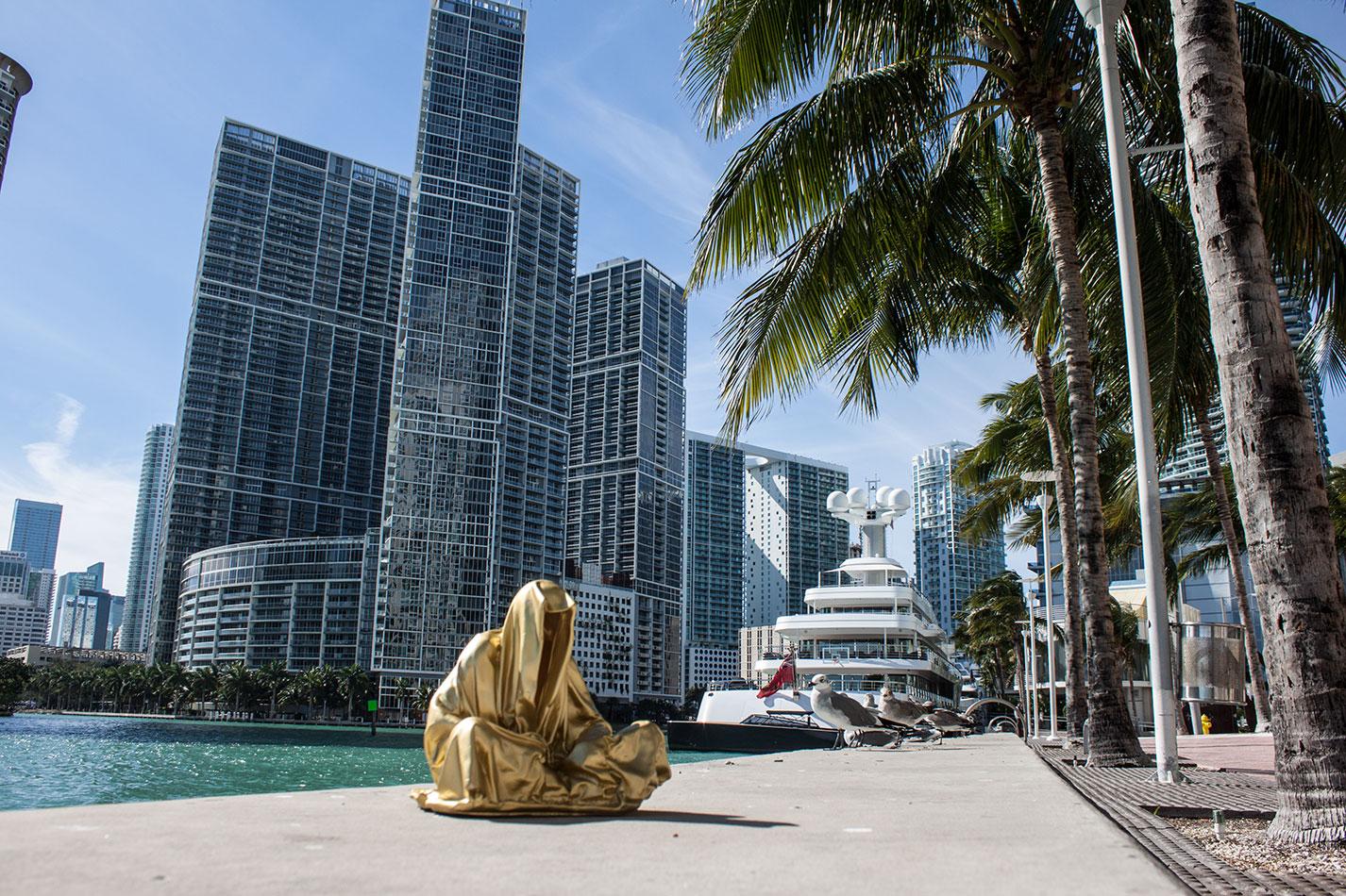 public-art-basel-miami-beach-fair-usa-florida-guardians-of-time-manfred-kili-kielnhofer-contemporary-fine-art-modern-arts-design-antiques-sculpture-6720