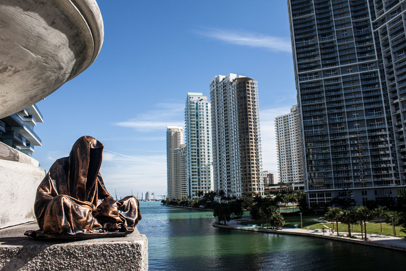 public-art-basel-miami-beach-fair-usa-florida-guardians-of-time-manfred-kili-kielnhofer-contemporary-fine-art-modern-arts-design-antiques-sculpture-6728