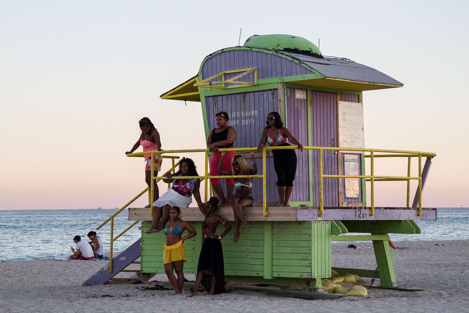 public-art-basel-miami-beach-fair-usa-florida-guardians-of-time-manfred-kili-kielnhofer-contemporary-fine-art-modern-arts-design-antiques-sculpture-7508