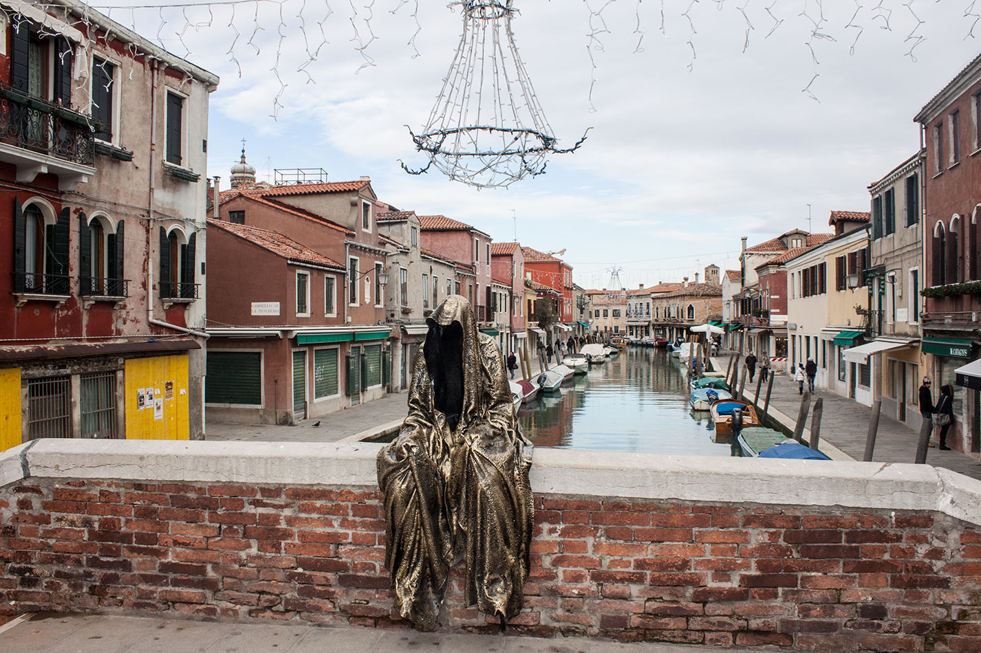 Italia-Venice-Murano-Berengo-glas-studio-glasstress-guardians-of-time-by-Manfred-Kili-Kielnhofer-contemporary-art-design-show-7166