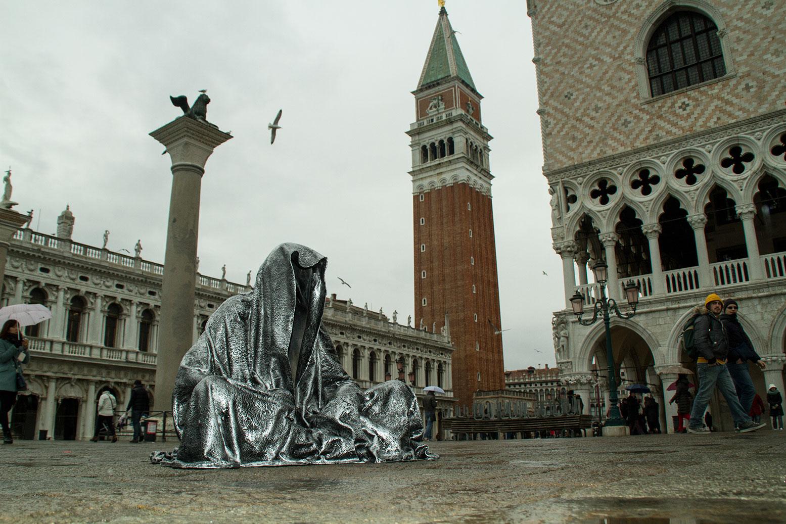 art-biennale-venice-guardians-of-time-manfred-kili-kielnhofer-contemporary-fine-art-design-sculpture-antique-show-7992