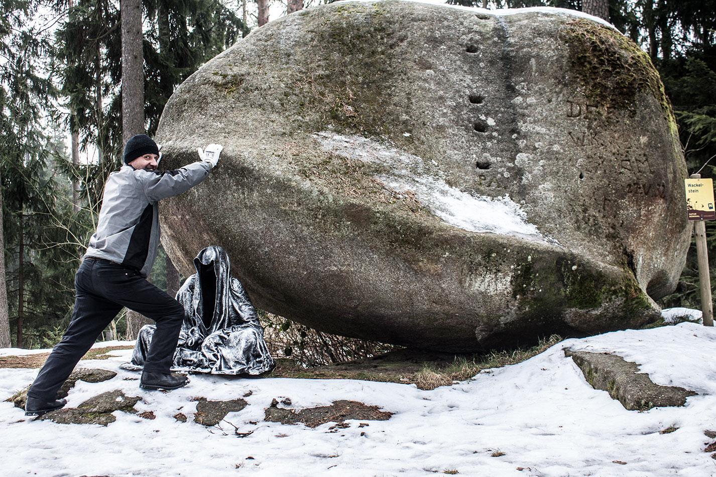 waldviertel-wackelsteine-moving-stones-contemporary-art-design-photography-arts-antique-guardians-of-time-manfred-kili-kielnhofer-7694