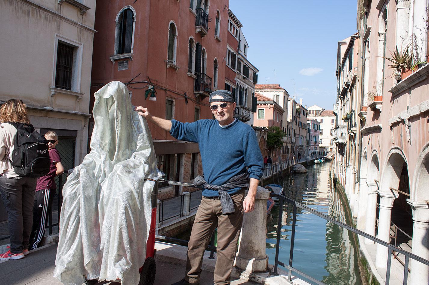la-biennale-venezia-arte-venice-guardians-of-time-manfred-kili-kielnhofer-contemporary-art-arts-design-sculpture-performance-show-8179