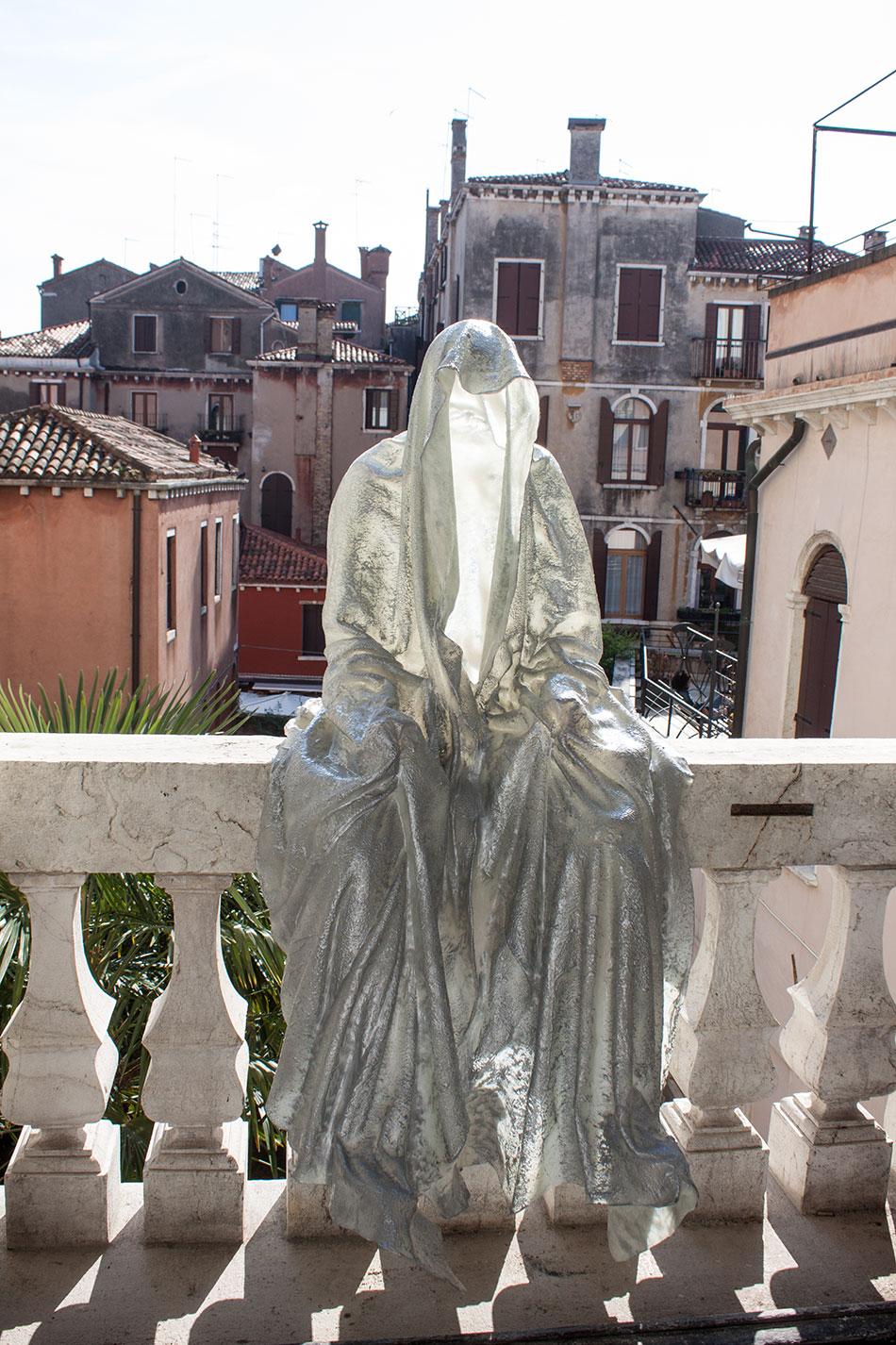 la-biennale-venezia-arte-venice-guardians-of-time-manfred-kili-kielnhofer-contemporary-art-arts-design-sculpture-performance-show-8246