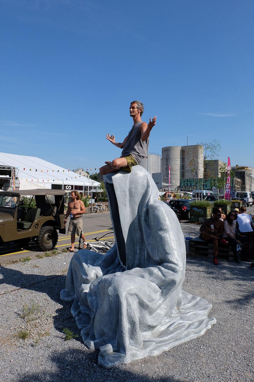 artbasel-swiss-scope-art-guardians-of-time-manfred-kili-kielnhofer-large-scale-contemporary-art-design-sculpture-statue-arts-arte-4352