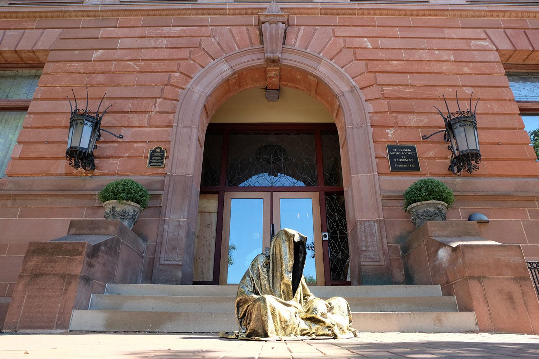 artprize-grand-rapids-mishigen-usa-St. Cecilia-Music-Center-contemporary-art-arts-sculpture-show-guardians-of-time-manfred-kili-kielnhofer-7313
