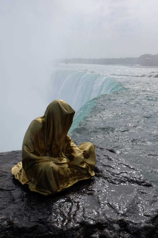 niagra-water-falls-artprize-contemporary-art-arts-design-sculpture-sculpt-guardians-of-time-keepers-manfred-kili-kielnhofer-faceless-7875